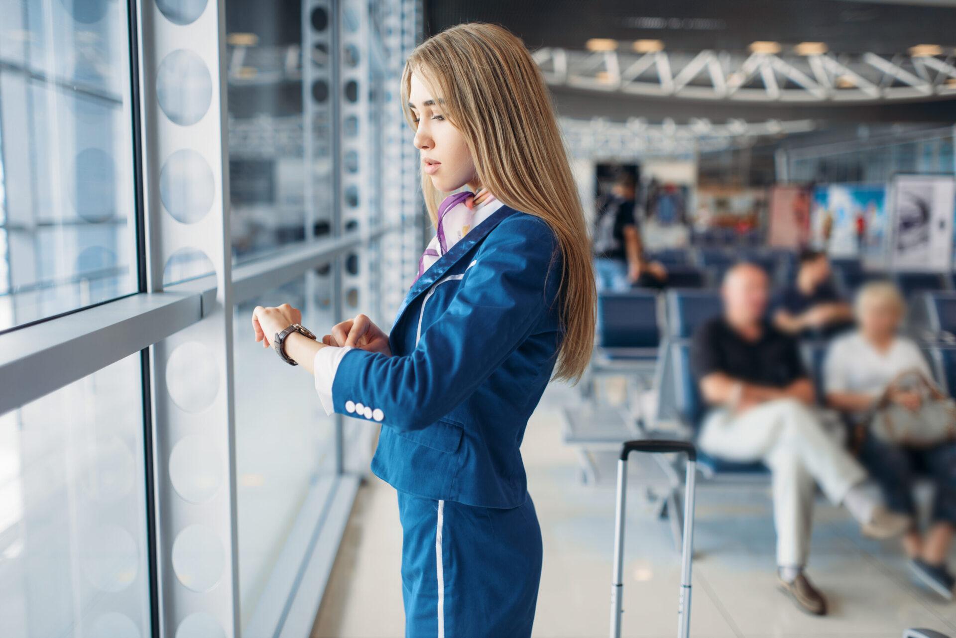 stewardesa czas pracy