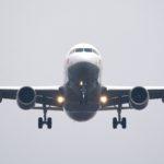 Jak wygląda szkolenie stewardes i stewardów linii lotniczych?